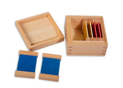 ecole et cabrioles une cole montessori la maison la premi re bo te des couleurs. Black Bedroom Furniture Sets. Home Design Ideas