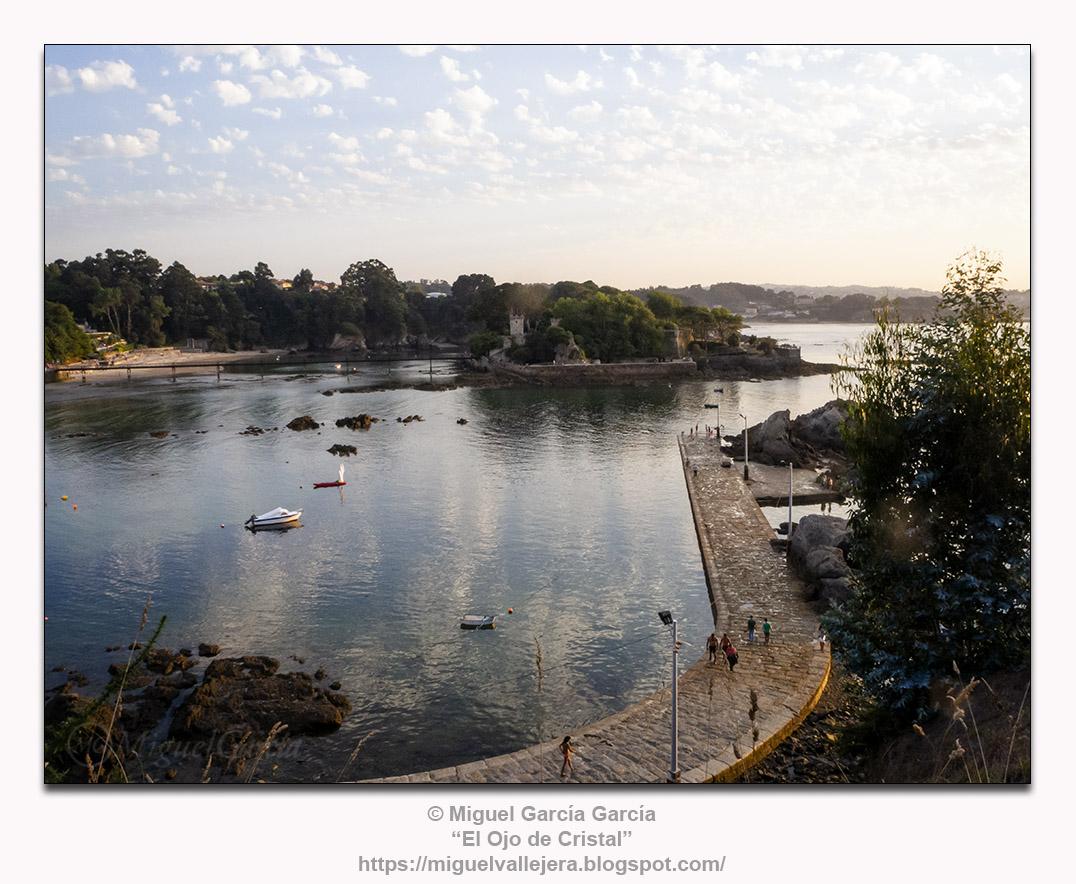 A Illa do Castelo, O Porto de Santa Cruz, Oleiros (A Coruña)