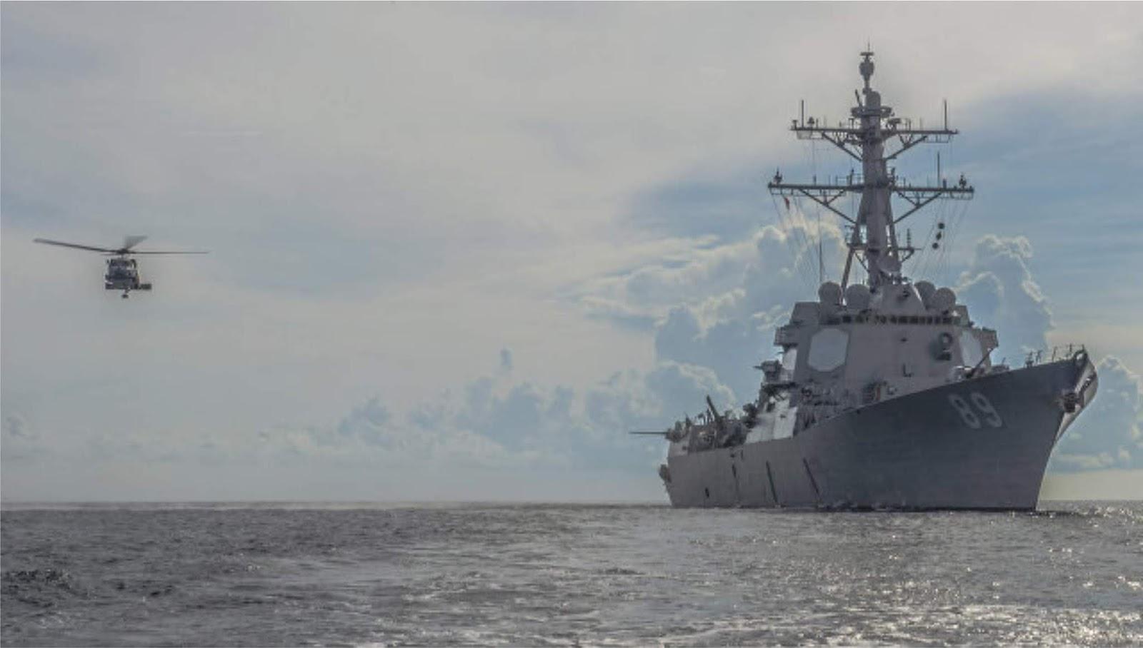 Kapal Perang Angkatan Laut AS berlayar melalui Selat Taiwan