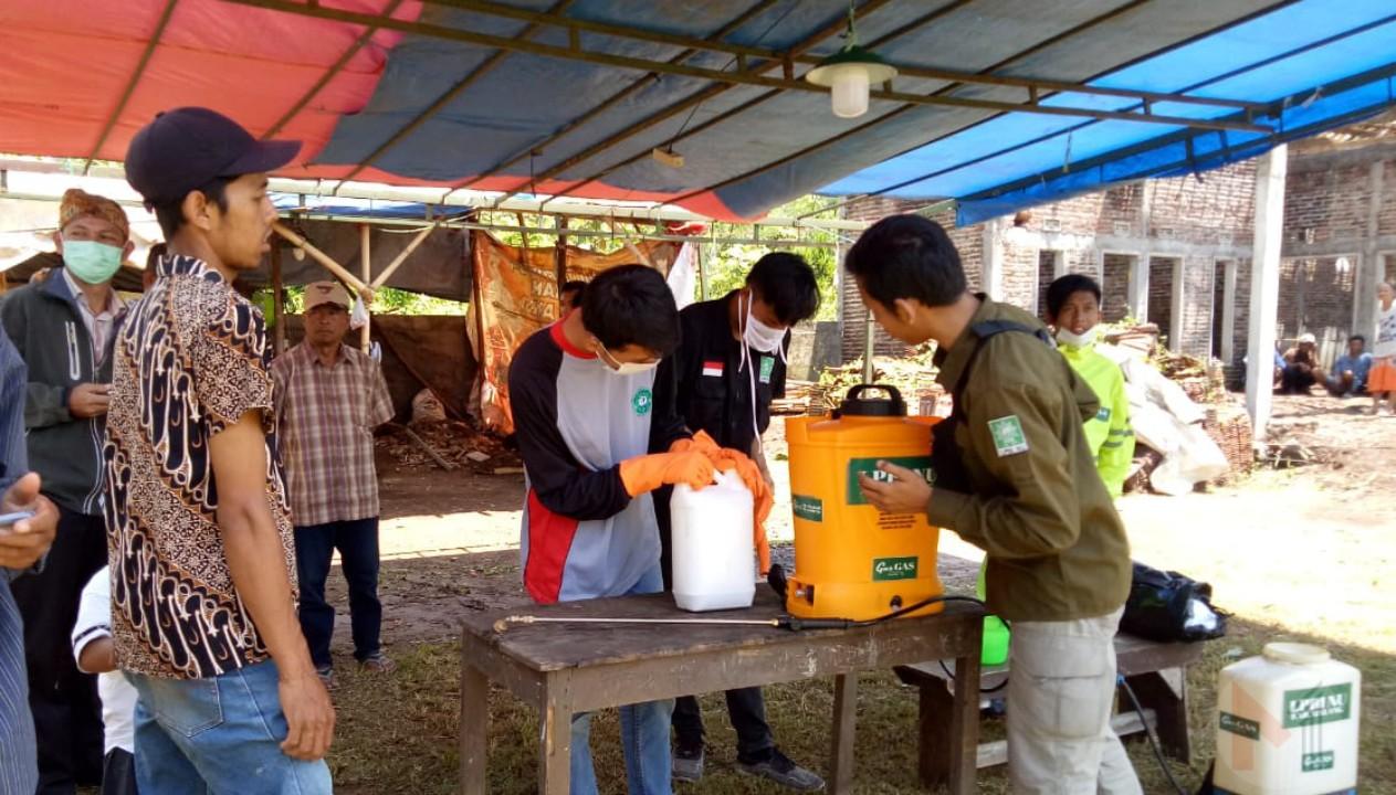 Tim Gugus Tugas Covid-19 PCNU Kabupaten Malang Jelaskan Cara Mudah Membuat Disinfektan