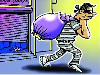 तीन दुकानों से लाखों की चोरी, निष्क्रिय पुलिस को आये दिन चुनौती देते हैं चोर   #NayaSabera