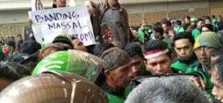 Penarik Ojek Online Medan Berunjukrasa Di Kantor Go-Jek