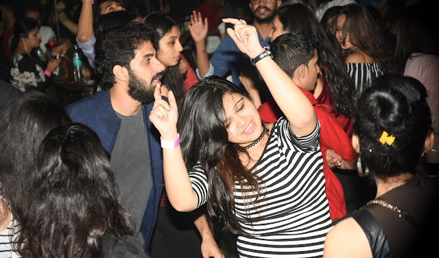 PARTY LIKE SHEIKHS OF DUBAI NEW YEAR'S EVE 2017 CELEBRATION AT R- ADDA ROOF TOP HIDEOUT BAR