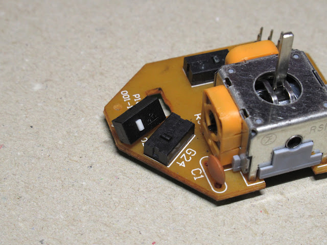 G13のジョイスティック基板と交換用スイッチ