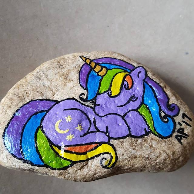 rock painting ideas - my little pony and unicorns