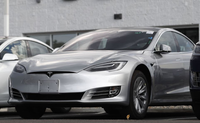 Tesla supera Toyota e é montadora mais valiosa do mundo