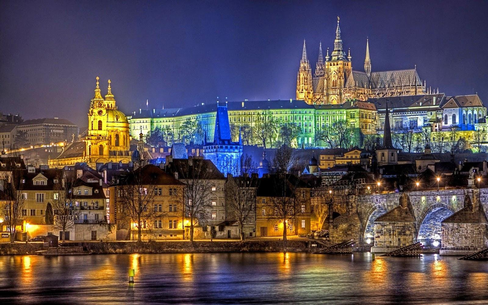 Top 10 Beautiful Cities to Celebrate Christmas | Prague, Czech Republic