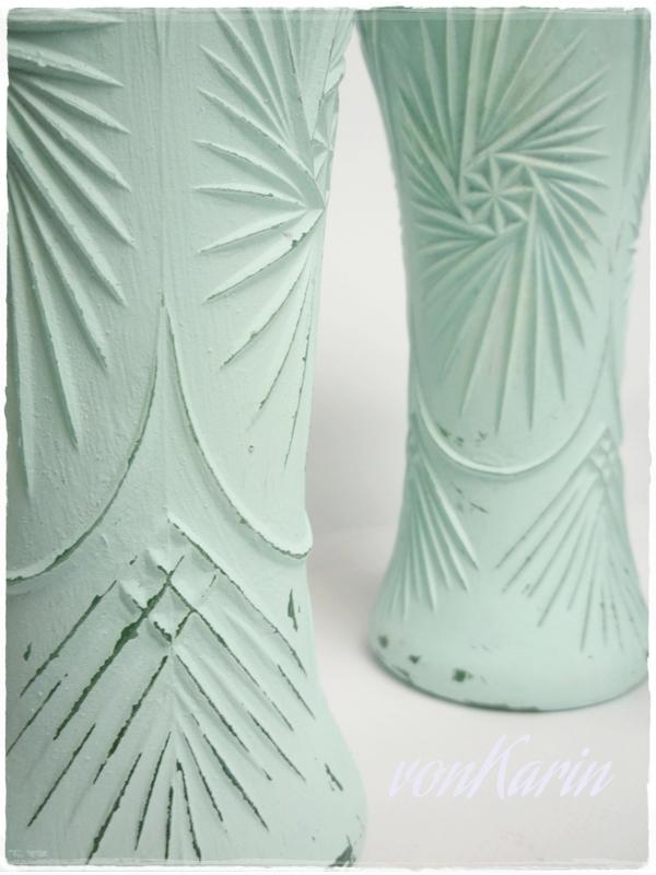 Ornament Vasen mit selbstgemachter Kreidefarbe bemalt - Detailaufnahme