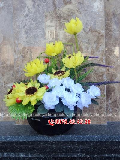 Hoa da pha le o pho Hang Trong