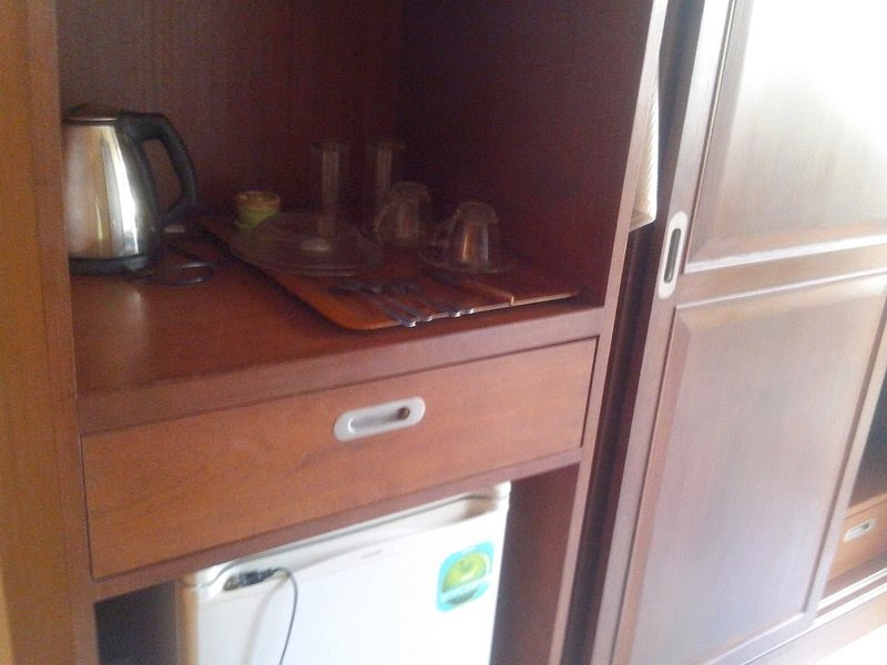 мини холодильник, чайник