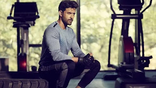 hrithik roshan join hand with director Om raut