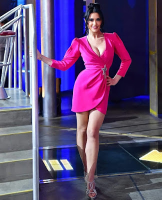 miss Claudia Ruggeri abbigliamento vestito avanti Un Altro 18 aprile