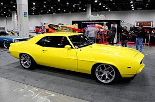 2017-65th-detroit-autorama-muscle-cars-ford-chevy-mopar-chevrolet-camaro-yellow