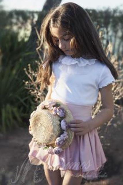 #canotier #niña #monisimos #complementos #modaceremonia #pequeñafashionista