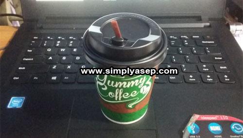 YUMMY COFFEE : Secangkir Kopi Susu Yummy Coffee (10/132020). Kopi Susu in sudah manis dan tidak perlu dtambah gula cair lagi. Foto Asep HaryonoAdd caption