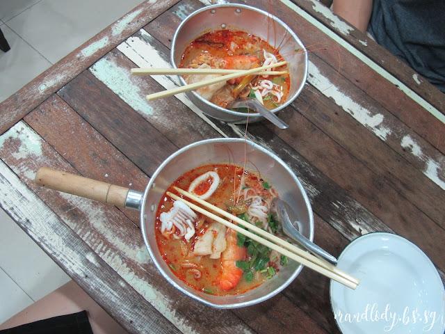 p'aor best tom yum goong noodles