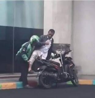 Gojek Adalah Superman Jalanan Masyarakat Saat Ini