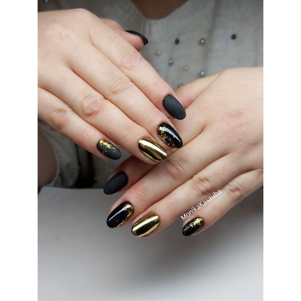 paznokcie złoto czarne