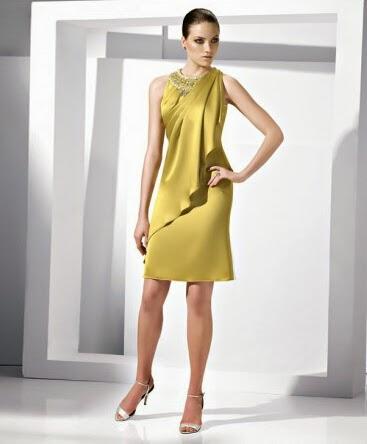 6db47711b294 Hvis du ønsker at vise din koket side  en cocktail kjole med en dyb  V-udskæring ville gøre fuldstændig retfærdighed til din personlighed.