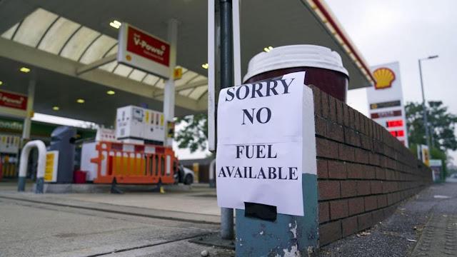 Χάος στη Βρετανία: Βγήκαν τα μαχαίρια για λίγη βενζίνη - Σε ετοιμότητα τις ένοπλες δυνάμεις