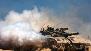 """Los vehículos de combate entraron en territorio sirio donde ya combaten desde primeras horas de la madrugada fuerzas especiales del Ejército turco, conocidas como """"boinas burdeos""""."""