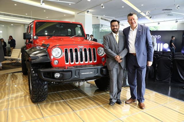 Mr.Kevin Flynn President and Managing Director FCA India Inaugurated India's first Jeep Destination Store in Ahmedabad (2)