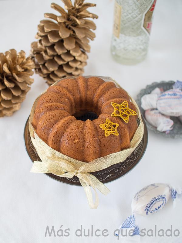 Bundt cake de mantecados y anis. Receta de Navidad con vídeo incluido
