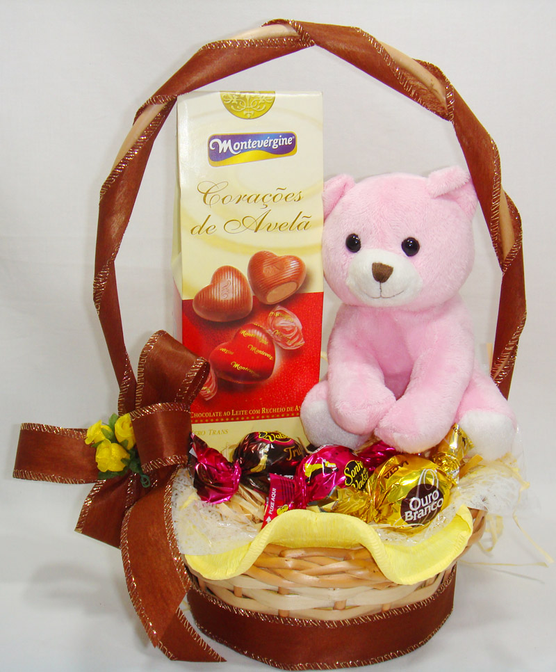 Como montar cesta de chocolates para a Páscoa 2014