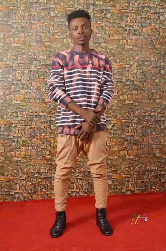 [Freezybeez Biography]-- Ogbuji honest chigozie popularly known as freezybeez babao