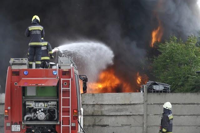 Ipartelepen keletkezett tűz a fővárosban