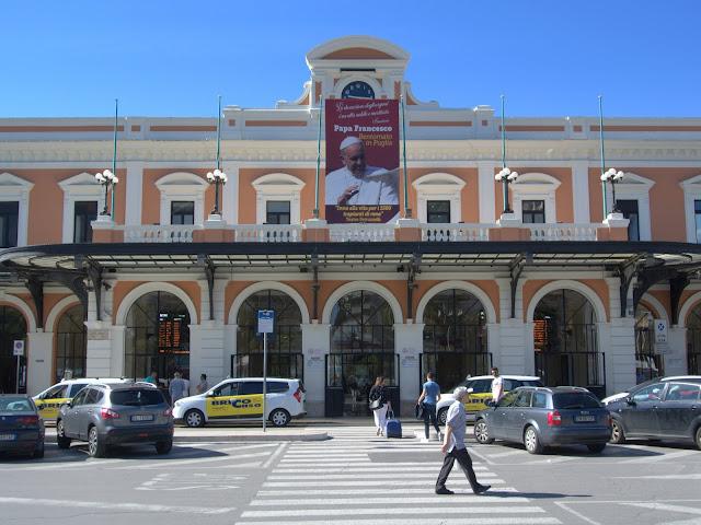 dworzec kolejowy Bari, połaczenia kolejowe