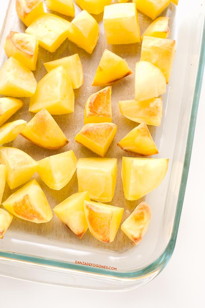 Baked potatoes | danceofstoves.com #recipe #vegan #DanceofStoves
