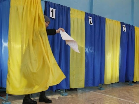 Nyugalomban zajlik a választás, Timosenko és Zelenszkij már szavazott