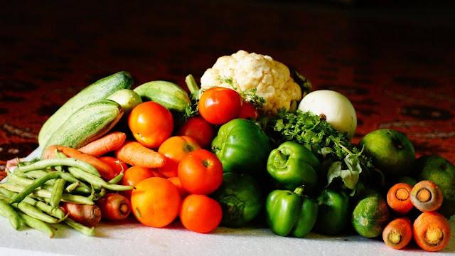 Pola Makan untuk Kulit Berjerawat
