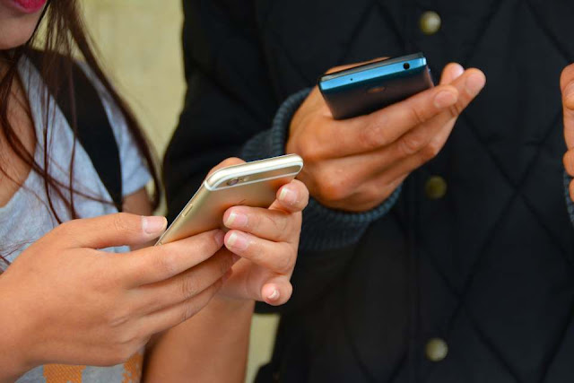 Social media has a bad impact on your health, how to be safe