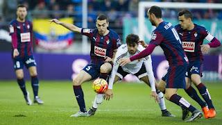 "Valencia top-four bid ""impossible"" after Eibar defeat"