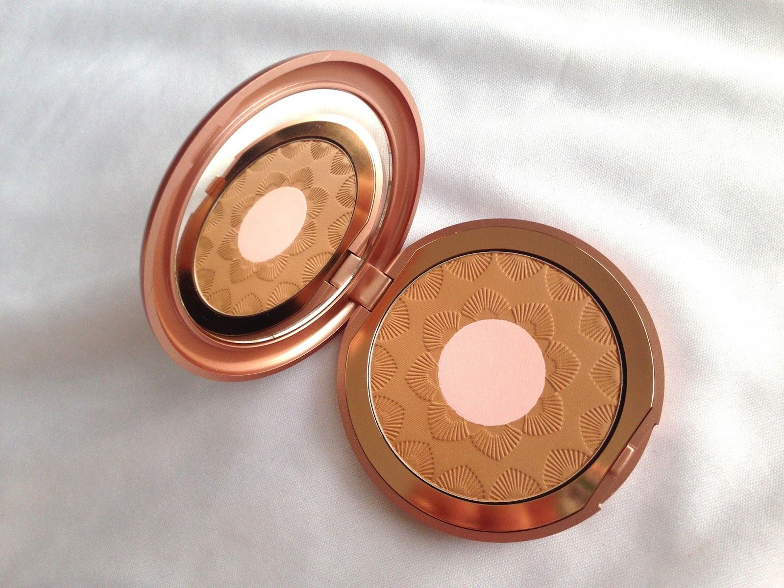 KIKO Rebel Romantic Perfecting Bronzer