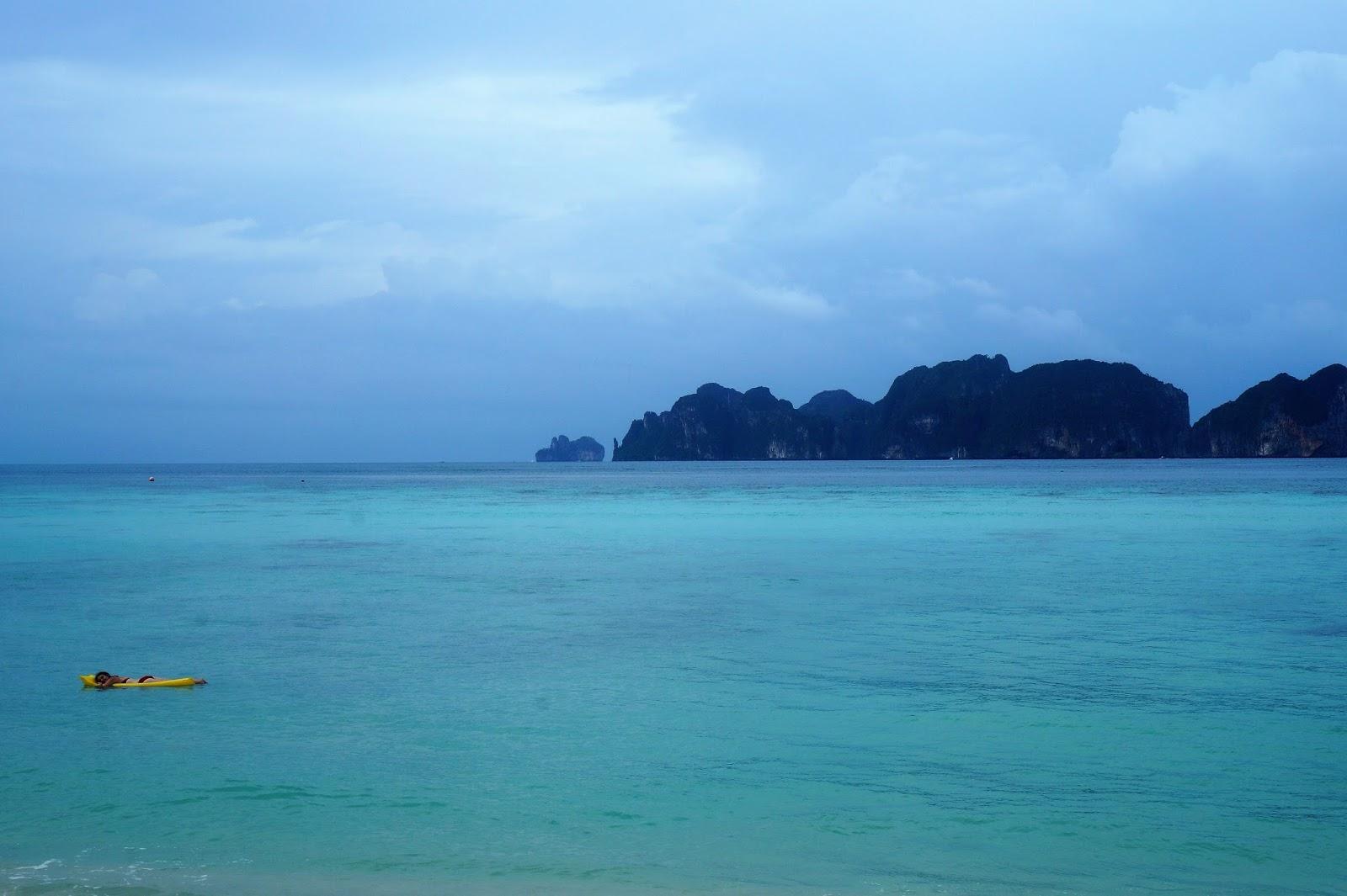 long beach, koh phi phi leh, opinie, ceny, ile kosztuje nocleg, ile kosztuje jedzenie, tajlandia