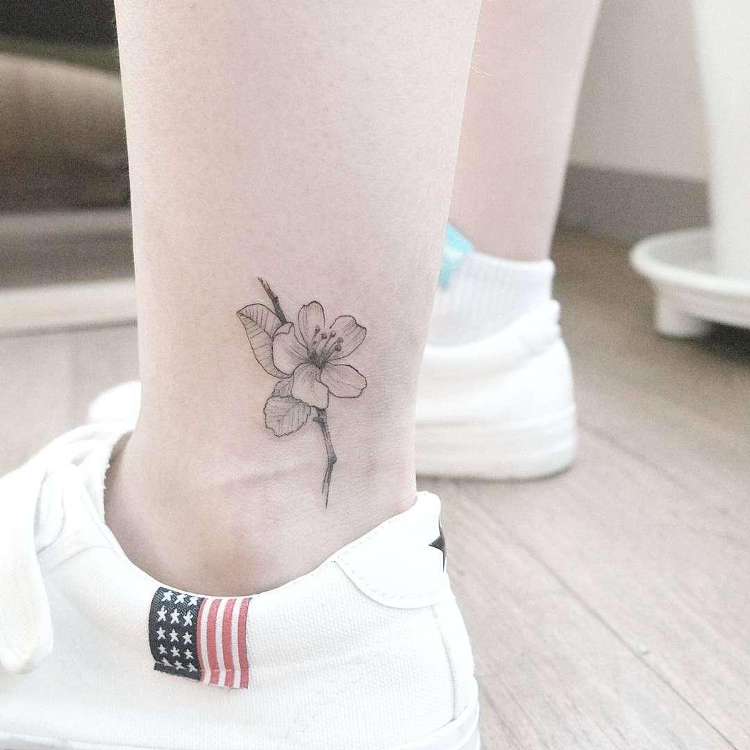 Vemos tatuajes femeninos para pies