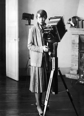 BERENICE ABBOTT UNE DES ASSISTANTE DE MAN RAY IN SEARCH MY HOME IN PARIS