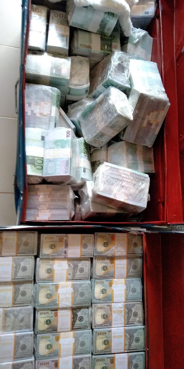 tada%2B1 - SHOCK as police raid a house in Ruiru and recover Ksh 8 Billion in fake currency and fake gold(PHOTOs & VIDEO)