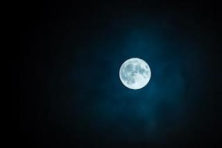 Puisi Galau Malam Karya Frisni Zakari Ramadhanty