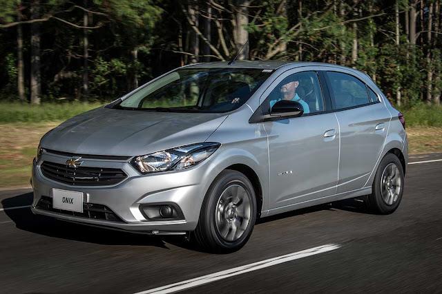 Novo GM Onix 1.4 Advantage AT por R$ 53.990: detalhes e fotos