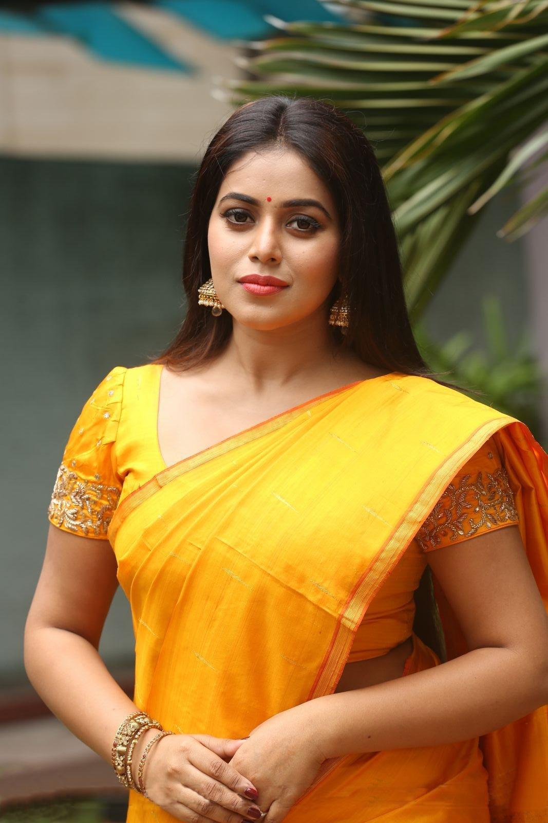 Shamna Kasim At Avanthika Movie Opening South Indian Actress