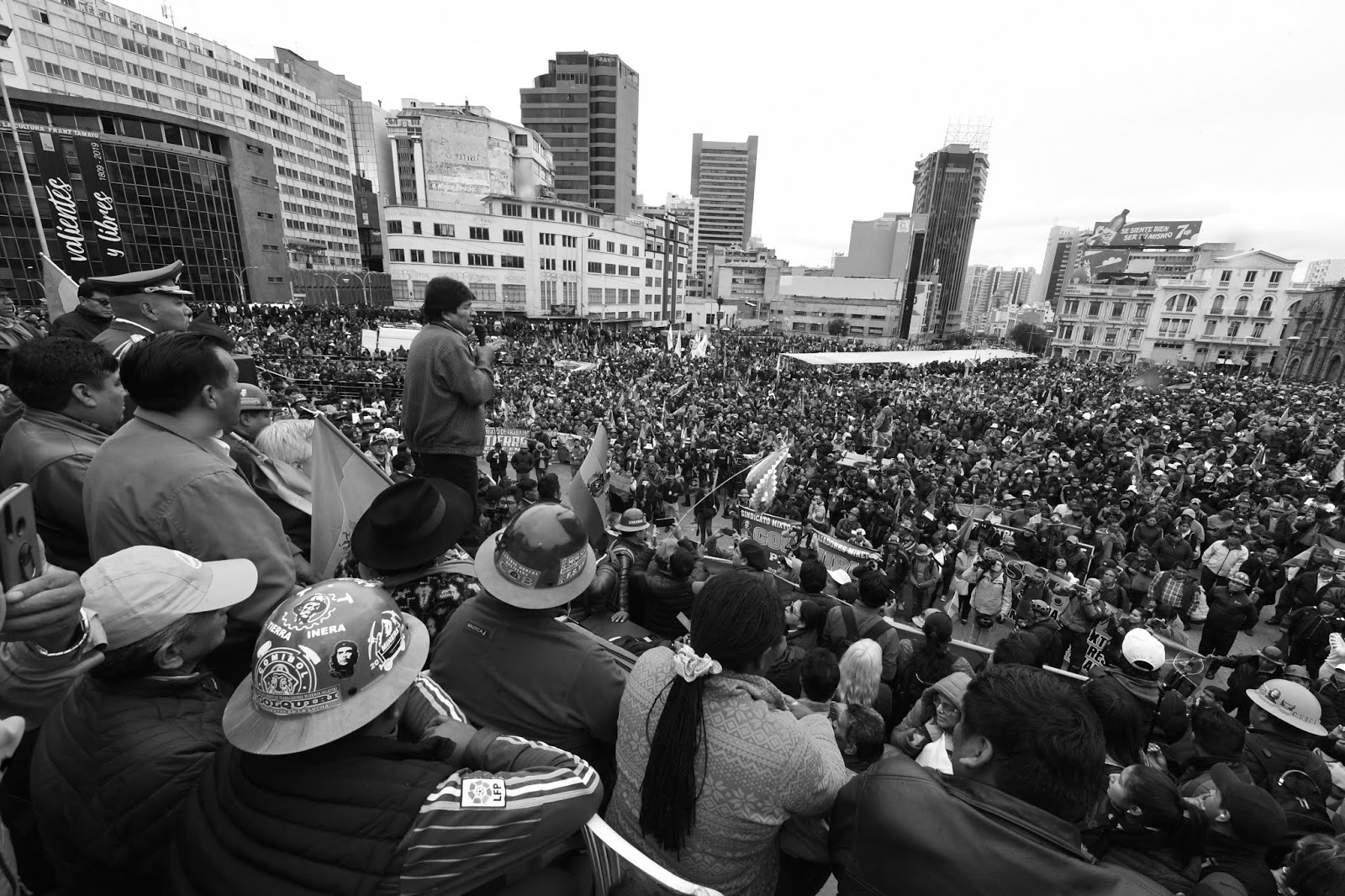 Morales arropado por sus bases en La Paz / ABI