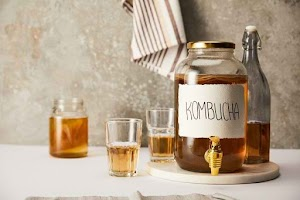 Find out the benefits and risks of consuming Kombucha tea