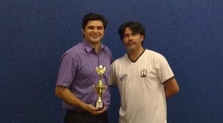 Roncadorense é campeão no Circuito de Xadrez Rápido realizado em Campo Mourão