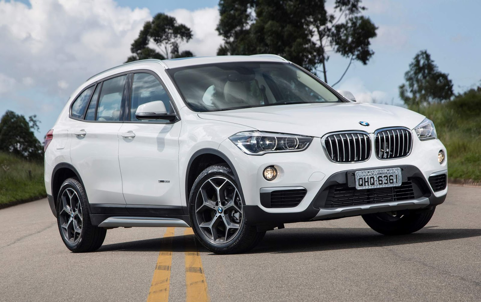 bmw x1 carnow portal automotivo. Black Bedroom Furniture Sets. Home Design Ideas