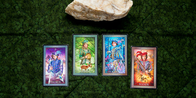 Mother-Tarot-Pages-Earth-element-Fall-Equinox-Tarot-Grand-Luxe