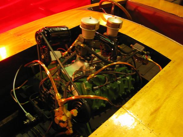 Crackerbox Racing Boats: Cracker Box -- flathead motor --